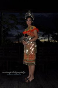 Pakaian traditional Iban